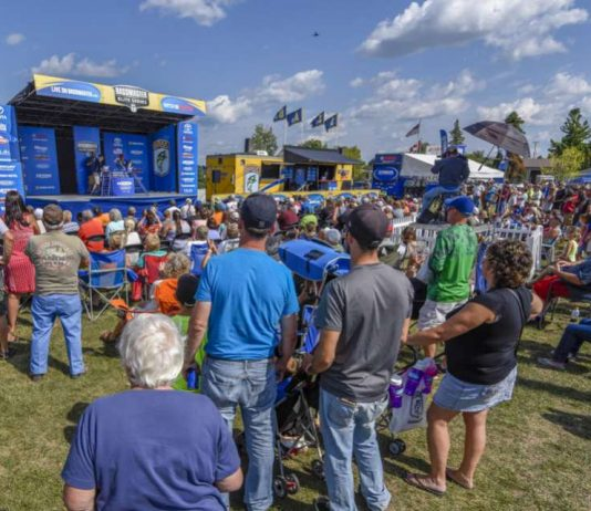 B.A.S.S and the Village of Waddington have signed a new multi-year agreement. Waddington and the St. Lawrence River, New York, will become a regular stop on the Bassmaster Elite Series through 2021. B.A.S.S